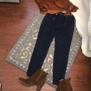 Ralph Lauren 4P skinny jeans. Cute & comfy.